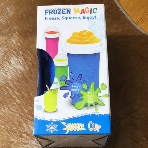 FREE WITH PURCHASE Squeeze cup